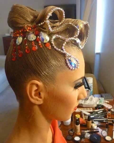 Tanzsport Haare |  #Frisuren #FrisurenAbschlussball #Frisurenauf #FrisurenBrötchen