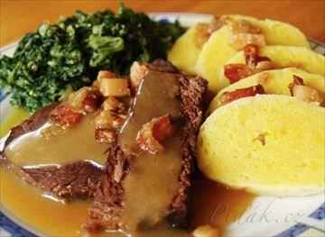 Zobrazit detail - Recept - Hovězí na česneku s bramborovým knedlíkem a špenátem