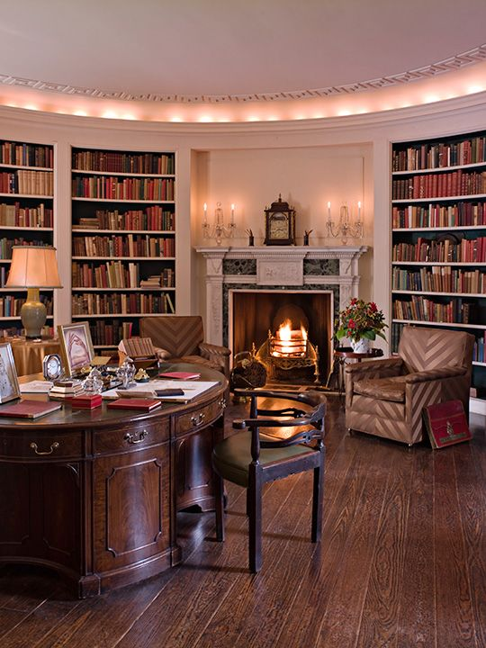 Oval Library, feature in the book 100 Most Beautiful Rooms in America in the Manor House at Ladew Gardens