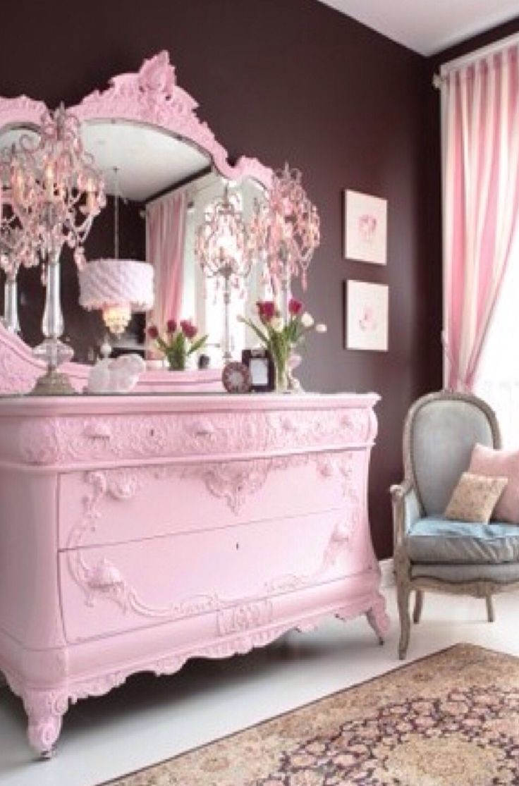 Luxury Dressing Table In Pink