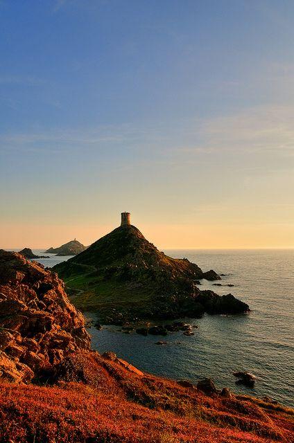 Les îles Sanguinaires et leur tour génoise de la Parata , Ajaccio, Corse, France 2010, Julien Fourniol