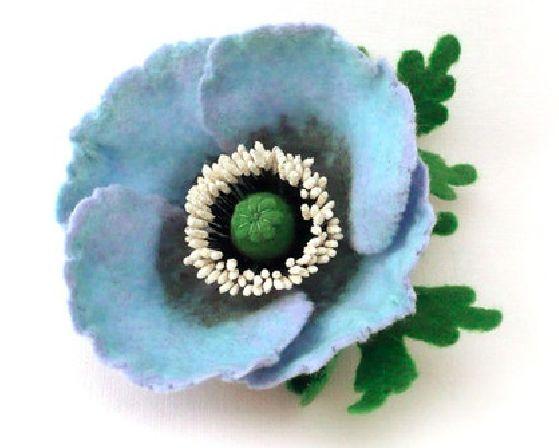 handmade brooch merino wool made by wet-felting  Russia  www.Roltinica.etsy.com