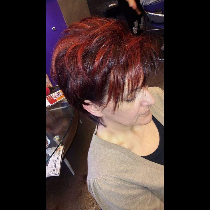 Προετοιμασία χρώματος -Colorprepare  Ξεκινήσαμε την αλλαγή χρώματος με το #colorprepare γιατί προετοιμάζει τα μαλλιά για ένα πιο επιτυχημένο χρώμα ,αφού ξέρουμε οτι αυτές οι αποχρώσεις είναι πολύ ευαίσθητες. Ζωντανά χρώματα -Λιγότερο ξεθώριασμα. #hairtranformation #haircolor #highlights #hairpaiting #redpassion #contrast #colorprepare #oiepikefalis #loreal #majirel