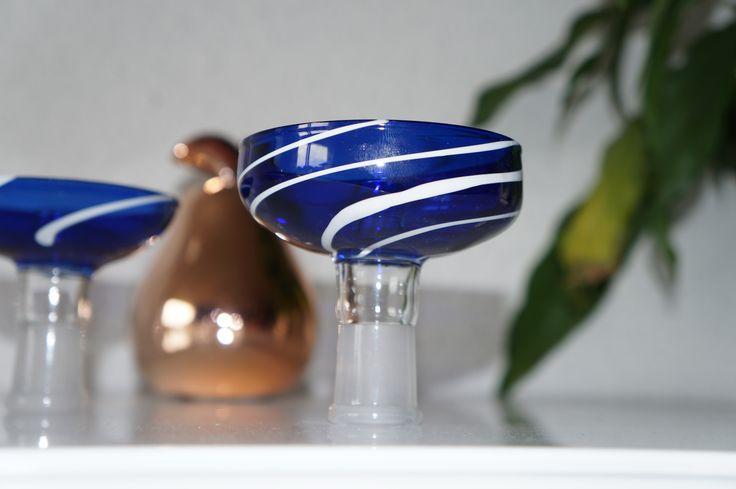 foyer pour chicha couleur bleu avec stries blanches