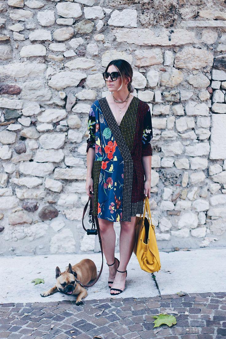 Diane von Furstenberg Kleid, diane von furstenberg kleider sale, Seidenkleid kombinieren, Balenciaga tasche gelb, Sommer Outfit, Streetstyle, urlaubsoutfit, Fashion Blog, Modeblog, Urlaubskleider, print kleid bedruckt, Diane von Furstenberg Seidenkleid, modetipps 2017, Style Blog, Outfit Blog, www.whoismocca.com