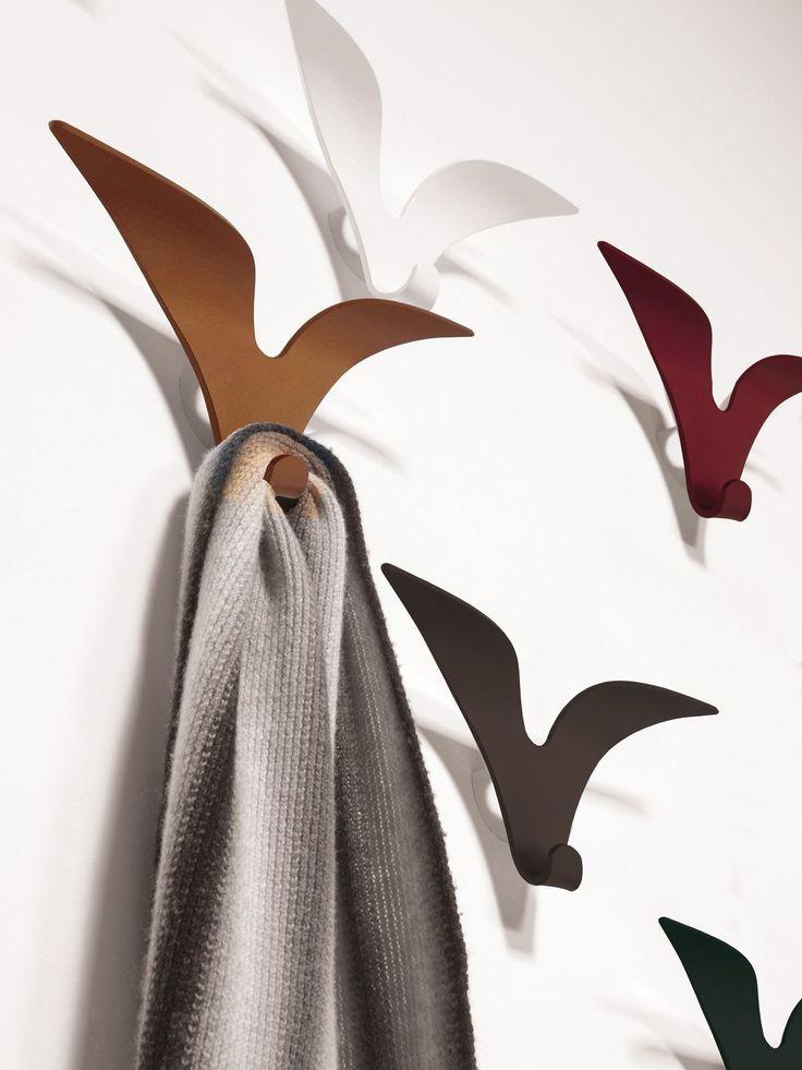 Jonathan 0/326, Appendiabiti da parete in metallo disponibile in varie colorazioni
