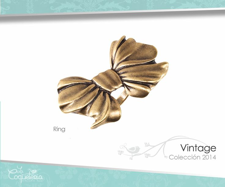 Este llamativo anillo de moño de latón bruñido y con acabado satinado es un clásico con giro moderno. Tallas 5 - 10. www.lacoqueteria.co #rings #anillos #accesories #beautiful #lacoqueteria  #fashion #shoppingonline #tiendaenlinea #mexico #accesorios #boda #moda #vestidos #casual #joyeria #bisuteria #monterrey #merida