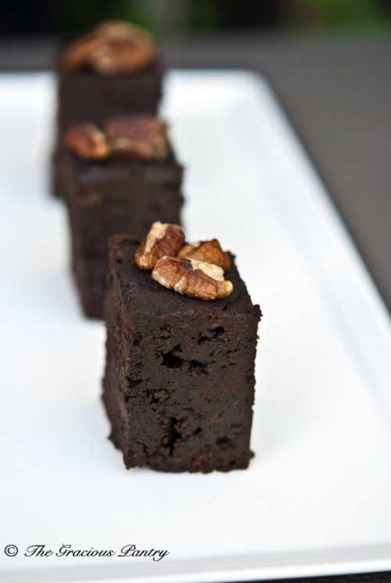 Clean Eating Slow Cooker Brownies  www.TheGraciousPantry.com