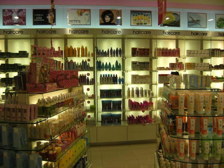 IGK's new spray-on hair mask is a time saver http://healthyhairhealthybody.com/healthy-hair-healthy-body/igks-new-spray-on-hair-mask-is-a-time-saver/ #HairCare, #HealthyHair, #IGK, #SprayOnHairMask