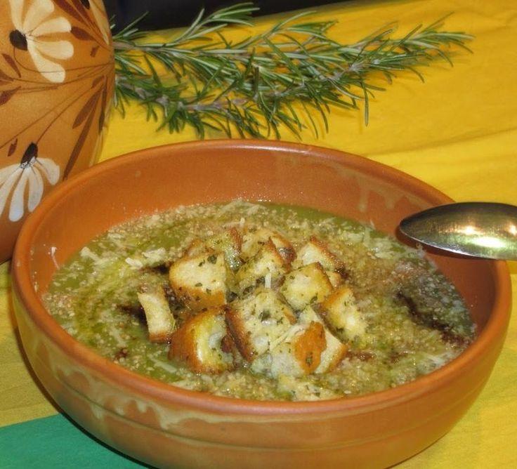 """SUPA MITONA o Mitounà è un antico piatto tipico Piemontese; una saporita zuppa nata per recuperare il pane raffermo, cotta lentamente, sobbollendo, arricchita, a secondo della disponibilità, da porri, fagioli, cavoli, zucchini, uova, formaggi e frequentemente offerta nelle osterie. Il termine deriva dal piemontese """"mitonè"""" che significa """"cuocere a fuoco lento"""" secondo il Vocabolario Piemontese- Italiano Michele Ponza #CarnevaliLuigi https://www.facebook.com/IlBuongustaioCurioso/"""