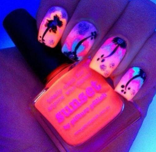 Amazing Nails / nail art.  Fiery Sunset nails.  piCture pOlish SUNSET nail polish.