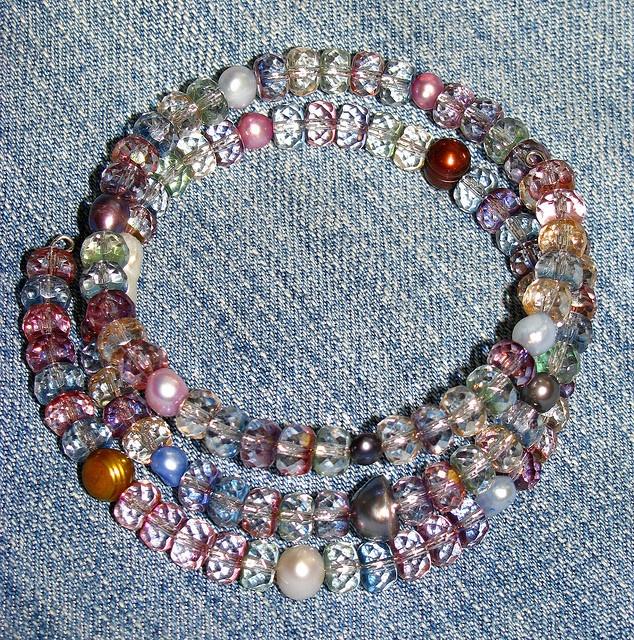 Gems & Pearls bracelet by EvaBeading, via Flickr