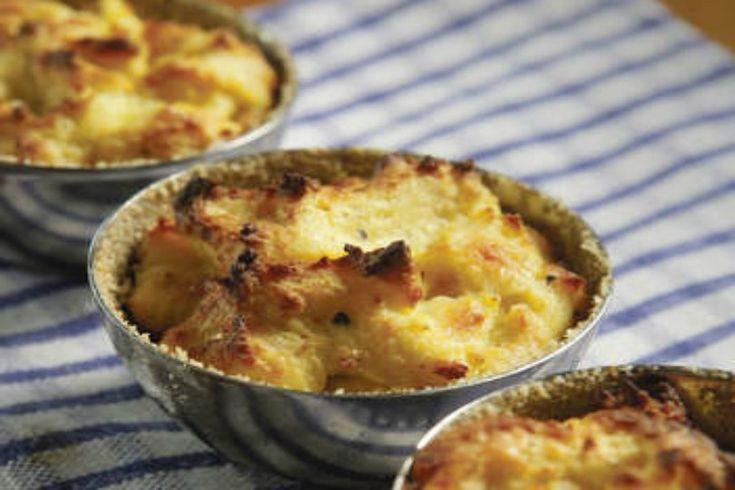 Sformatini di cavolfiore e mozzarella con parmigiano grattugiato, ricetta per preparare uno tortino sfizioso da servire come antipasto o contorno.