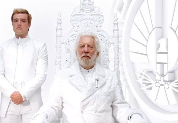 Mensaje del Presidente Snow de Los Juegos del Hambre Sinsajo Parte I | Cine PREMIERE Wow!!!!!
