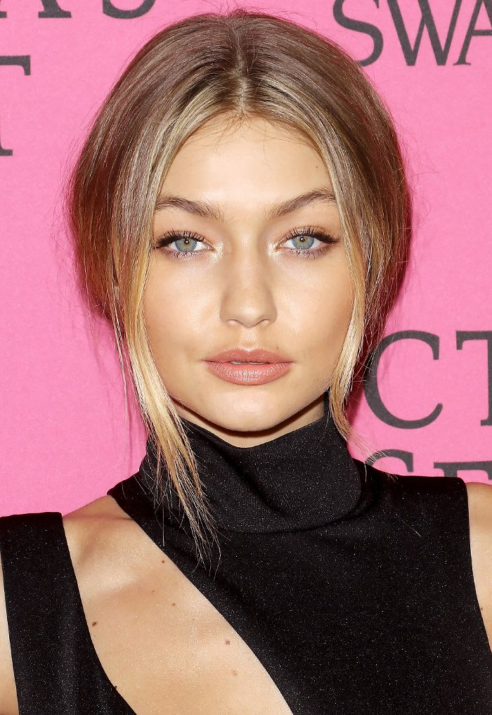 Gigi Hadid's signature look: a low ponytail and neutral makeup