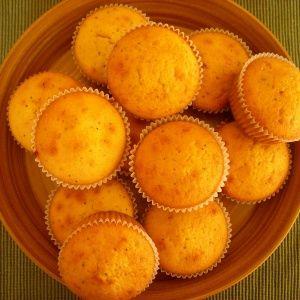 Cupcakes light ολικής αλέσεως με γεύση πορτοκάλι κατάλληλα και για διαβητικούς
