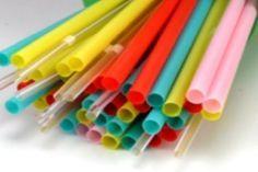 4 bidules pratiques ou amusants à faire avec des pailles de plastique !