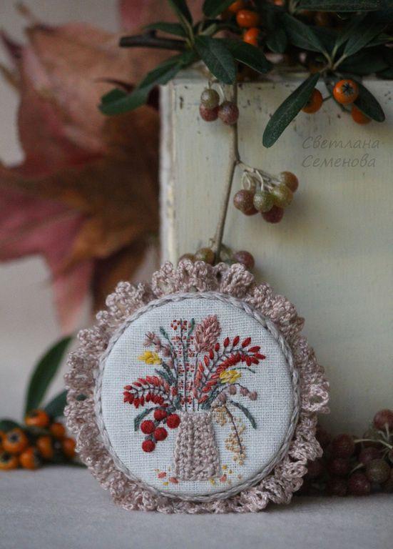 Купить Брошь Осенние Ягоды - осенний, осеннее украшение, сухоцвет, сухоцветы, осенняя композиция