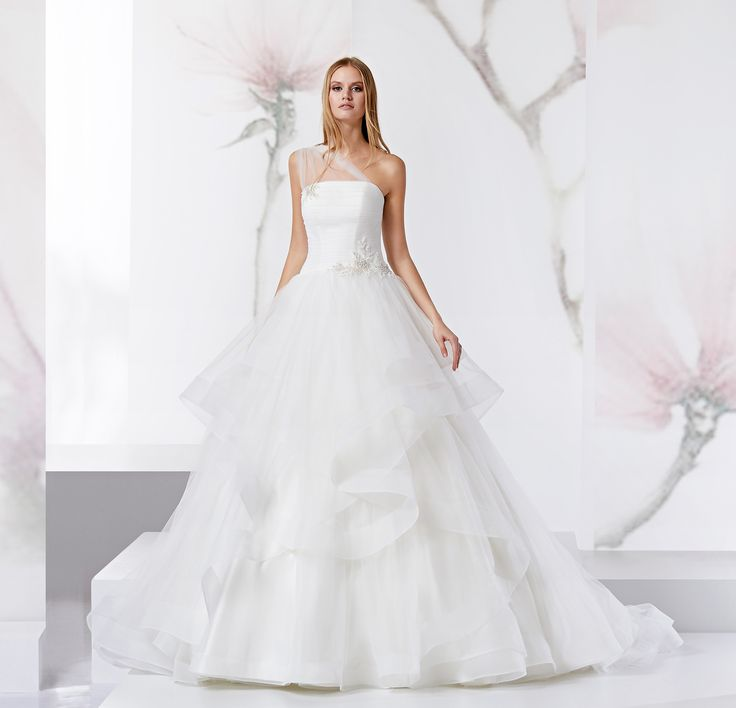 Moda sposa 2018 - Collezione JOLIES.  JOAB18488. Abito da sposa Nicole.