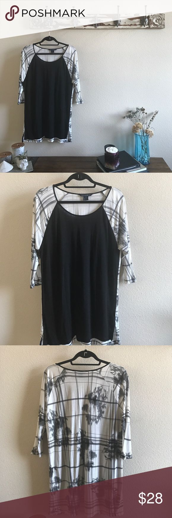 French Connection Loose Tunic Perfect cond and long enough for leggings or skinny jeans with out the dreaded camel toe 🙈 French Connection Tops Tunics