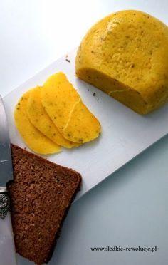 Słodkie Rewolucje: Domowy Ser Żółty z ziołami