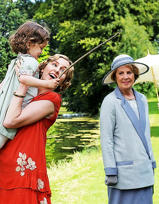 Penelope Wilton and Laura Carmichael | Downton Abbey behind the scenes 6x09 ..