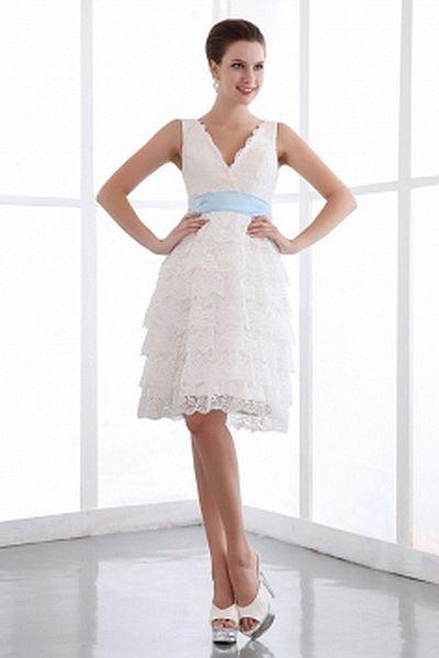 Chiffon Elegant Sweetheart Bridal Dresses wr0192 - http://www.weddingrobe.co.uk/chiffon-elegant-sweetheart-bridal-dresses-wr0192.html - NECKLINE: Sweetheart. FABRIC: Chiffon. SLEEVE: Sleeveless. COLOR: White. SILHOUETTE: A-Line. - 136.59