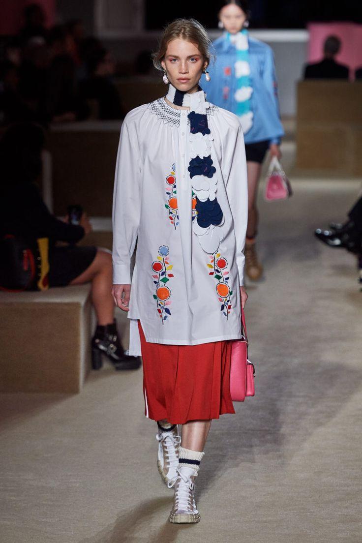 Prada | Модный показ, Нынешняя мода, Круизная коллекция