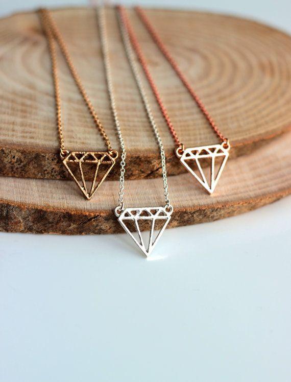 Minimalist Diamond Necklace: Diamond shaped by Hir…