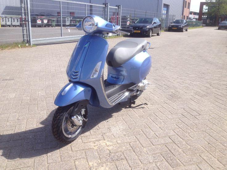 De nieuwe Primavera leverbaar met alle bekende extra's bij scooterking.eu
