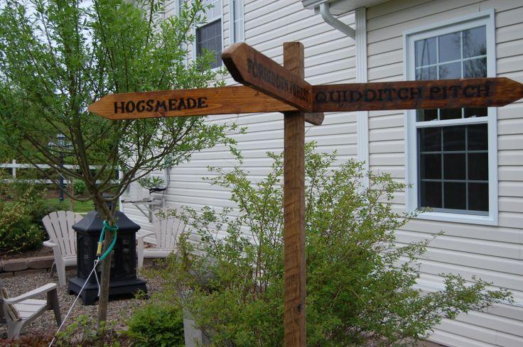 Hogwart's sign post.