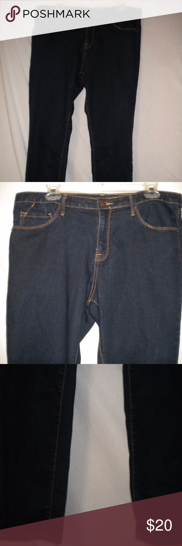 """Pure Energy Plus 14W Skinny Women Jeans Barely Worn. Pure Energy Women Plus Size 14W Jeans. Skinny. Moulant. Zip fly. 5 Pockets. Dark Wash. 80% Cotton, 19% Polyester, 1% Spandex. Waist measuring all the way around approx 38"""". Waist lying flat 19"""" total 38"""". Front rise approx 10"""". Inseam approx 29"""". Leg opening around approx 14"""". Pure Energy Jeans Skinny"""