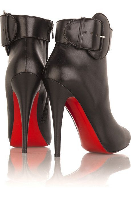 sports shoes 3e372 f99eb 50% off louboutin boots croche pai 88e07 4c417