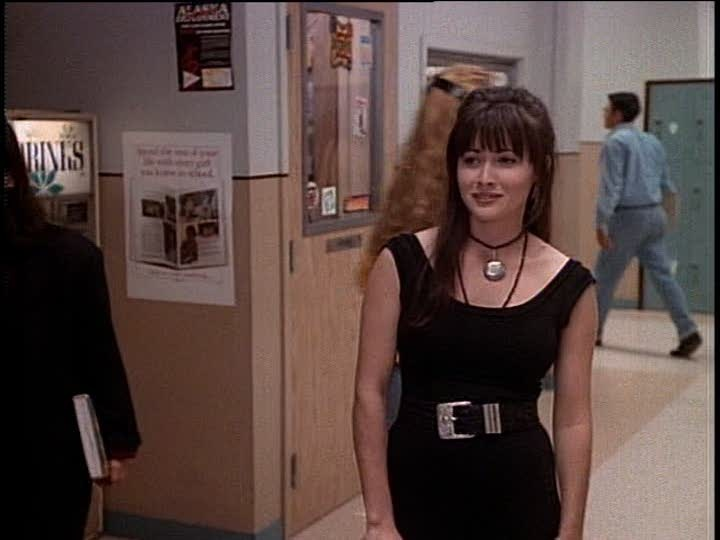 Black is back, and so is Brenda Walsh!