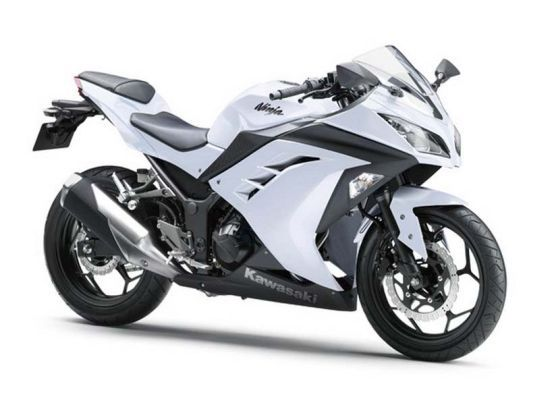 The Kawasaki Ninja 300R is the next to enter India later this year. The 300R is nothing but a bigger engine version of the Ninja 250R with better torque and power outputs. The 300R has got new technical advancements which will increase the performance of the bike by a greater quotient.