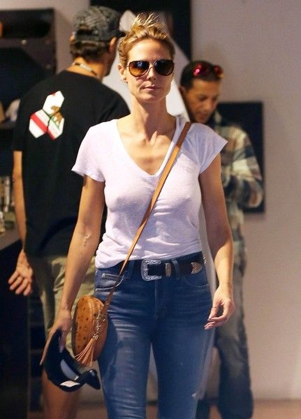 Heidi Klum Photos Photos - Heidi Klum and her ex-husband Seal take their kids Leni, Henry, Johan and Lou shopping at The Burton Store in West Hollywood, California on November 23, 2016. - Heidi Klum and Seal Take Their Kids Shopping at The Burton Store