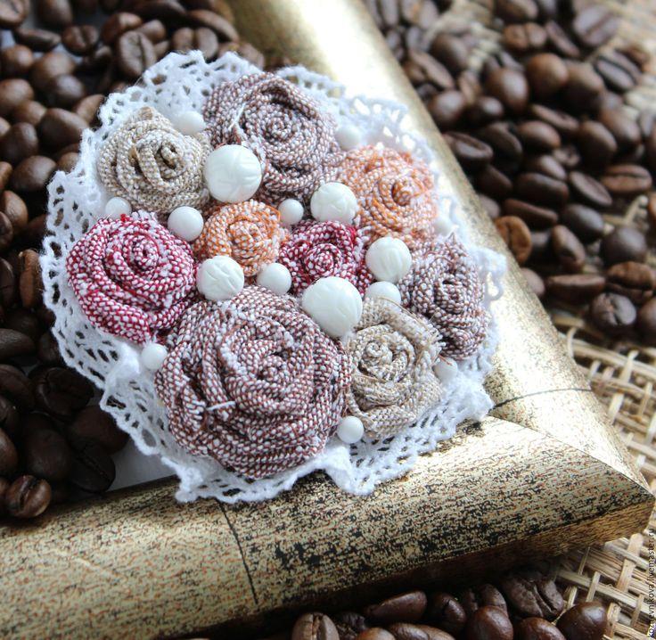 Купить Текстильная брошь Сливочный десерт - Елена Кожевникова, текстильная…
