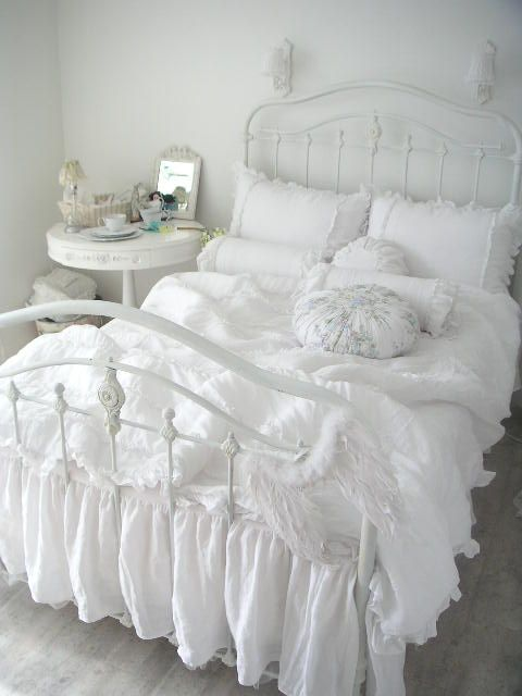 Would love a room all in white