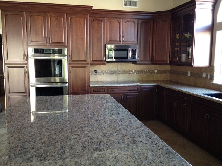 Juparana st cecilia granite counters with custom tiled for Kitchen design 7 x 7