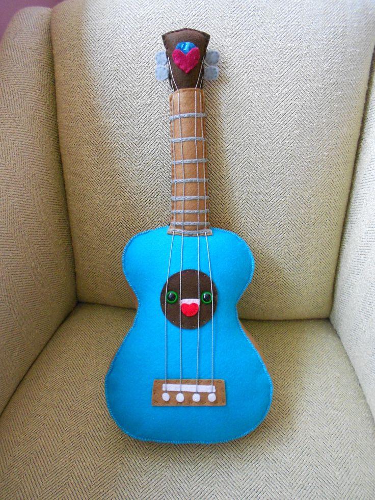 plush ukulele: Ukulele Ladies, Diy Sewing, Ukulele Style, Plush Ukulele, Better Pictures, Ukulele Owl, Birds Uke, Yesterday Heart, Pillows