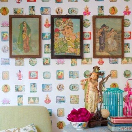 Mural Bollywood. Mural de papel pintado estampado con diferentes personajes de Bollywood. Medidas: 1.395m x 2.70m Fácil de poner,lavable e ignífugo. Gran resolución de las imágenes
