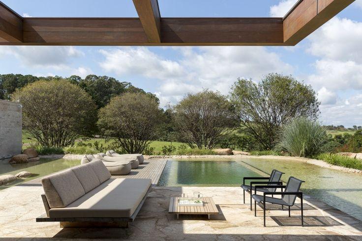 Casa MS – Fazenda Boa Vista (Porto Feliz, Brasil, 2013). --------- MS House at Boa Vista farm (Porto Feliz, Brazil, 2013). Foto: @ricardolabougle. #studioarthurcasas #arthurcasas #arquitetura #design #mshouse #sp