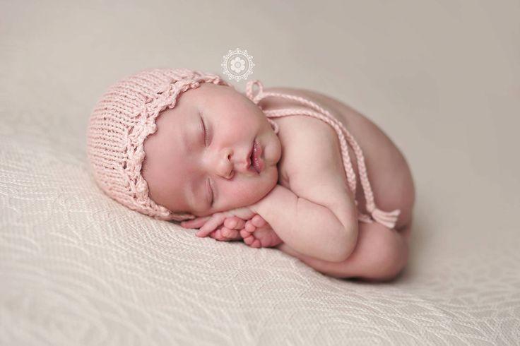 Knitting Pattern, Knit PDF Pattern,  Newborn Hat Pattern, PHOTO shoot prop,  Knit, Tutorial, PDF, Newborn hat, Phoebe Bonnet by CreamoftheProp on Etsy