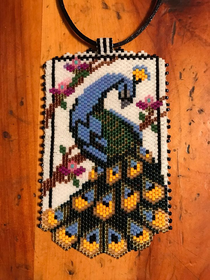 peyote beaded peacock with scalloped edges necklace...found this beautiful pattern, could not resist trying