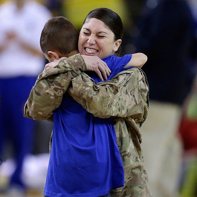 Definitely a lot of great moments on #WarriorsGround this season, but not sure there was one better than this. During last night's game the #Warriors helped turn U.S. Army Staff Sergeant Nikki Castle's return home from duty in Afghanistan into a special surprise for her son Makio. #NBACares #HoopsForTroops
