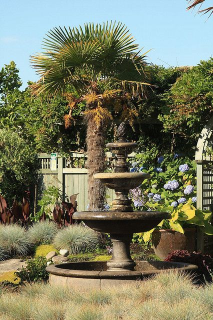 Front yard fountain front yard fountain flickr photo for Garden fountains phoenix