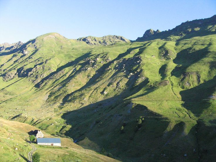 French Pyrenees GR 10 Trail: A Walker's Guide.