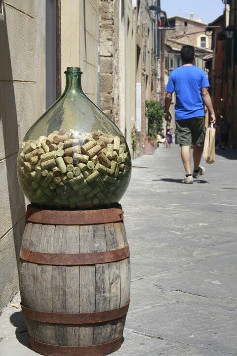 Est est est!   #montalcino #wine #fiasco #corks