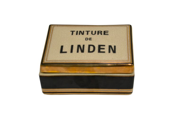 Linden Ceramic Candle. This candle smells so wonderful! It will instantly get you in a relaxed mood. I bought it at Madewell. Worth every penny!