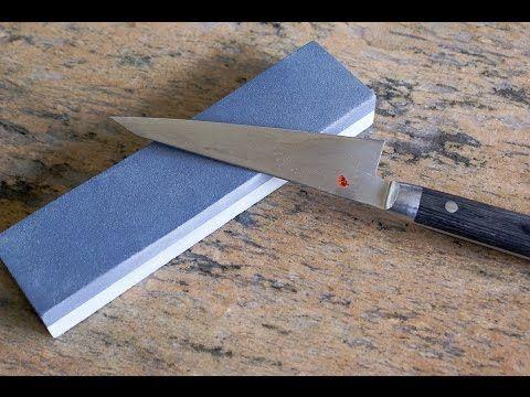 Aiguisage des couteaux à la pièrre